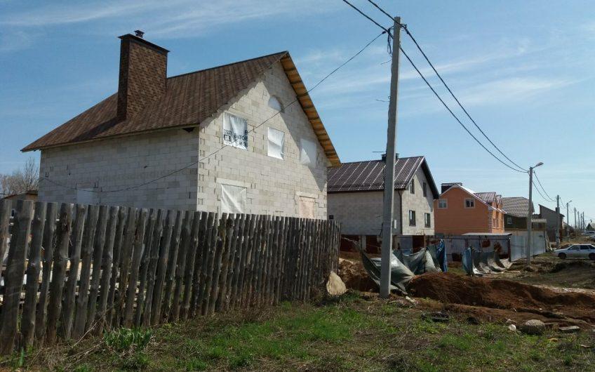 Дом 200 м² на участке 12 сот. Петра Дубрава
